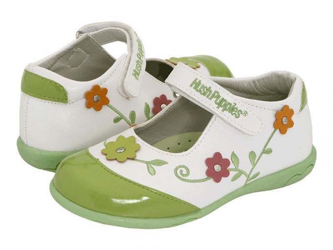 Как подобрать обувь для ребенка до года