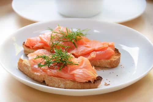 Бутерброды с красной рыбой рецепты и оформление - фото 5