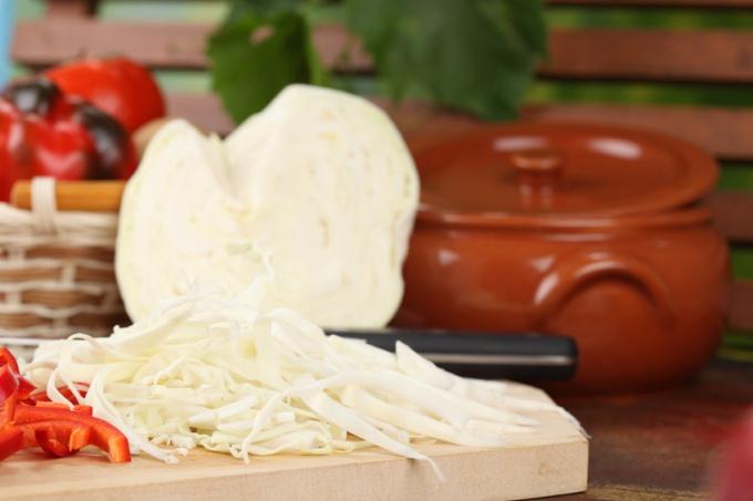 Как приготовить капустный пирог