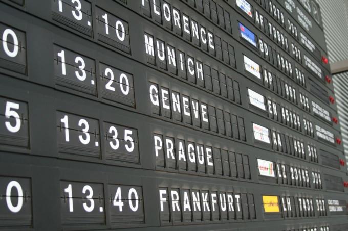 Как узнать, есть ли долг при выезде за границу