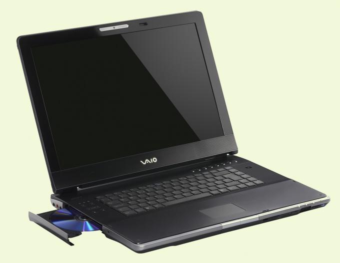 Как заменить дисковод на ноутбуке