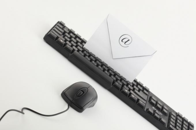 Как выбрать электронный адрес