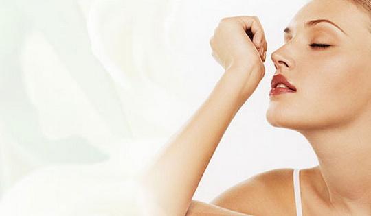 Как удалить запах с кожи