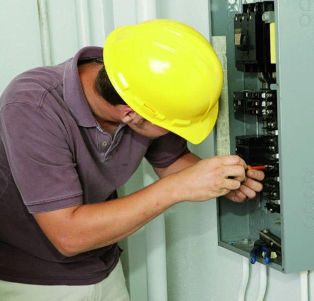 Как получить допуск электрику