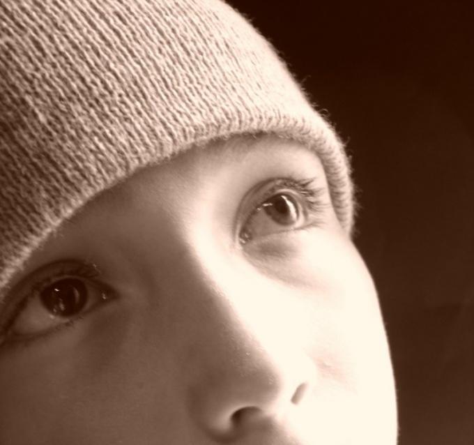 Как связать детскую шапочку с ушками