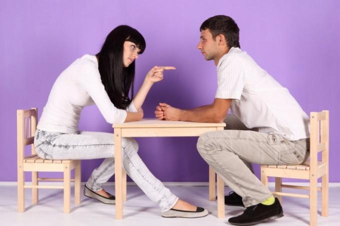 Почему изменяет муж — муж во всем винит жену
