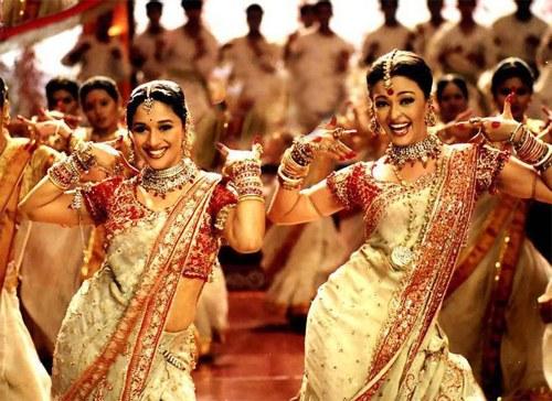 Как научиться танцевать индийские танцы