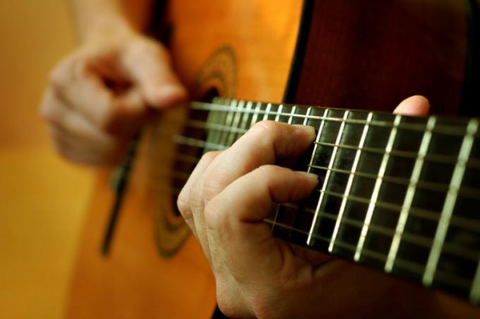 Как сочинять песни под гитару
