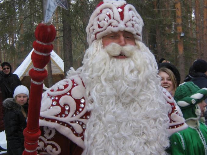маска Деда Мороза: как сделать ее своими руками