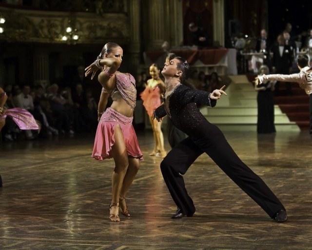 Как научиться танцевать румбу