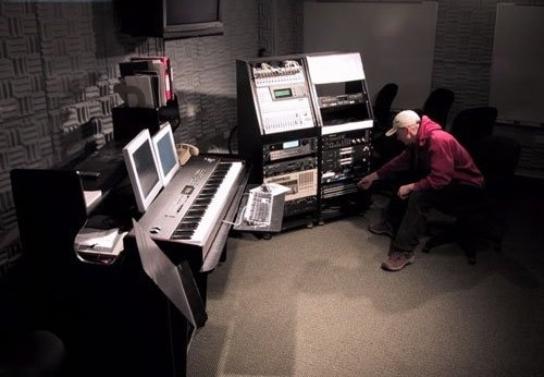 Как создать музыку электро