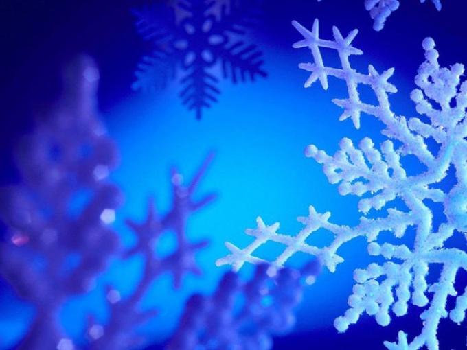 Как делать новогодние снежинки