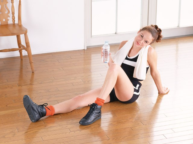 Как подтянуть мышцы ног