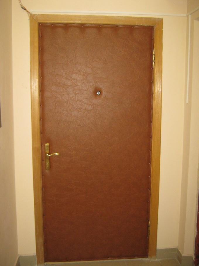 Обивка металлической входной двери