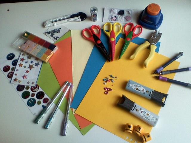 Новогодние открытки: как сделать их вместе с детьми