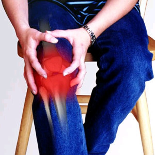 How to treat a sprained knee