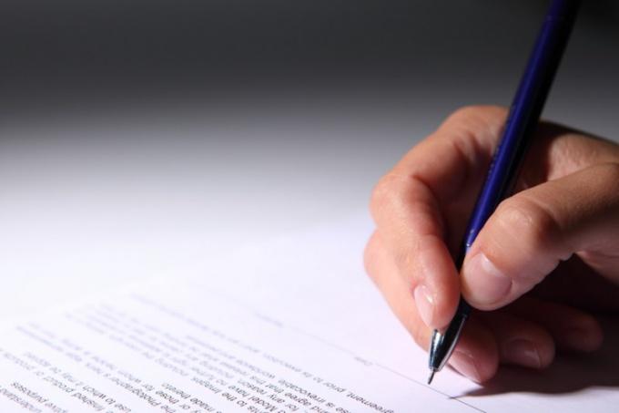 Как написать правильно заявление об увольнении
