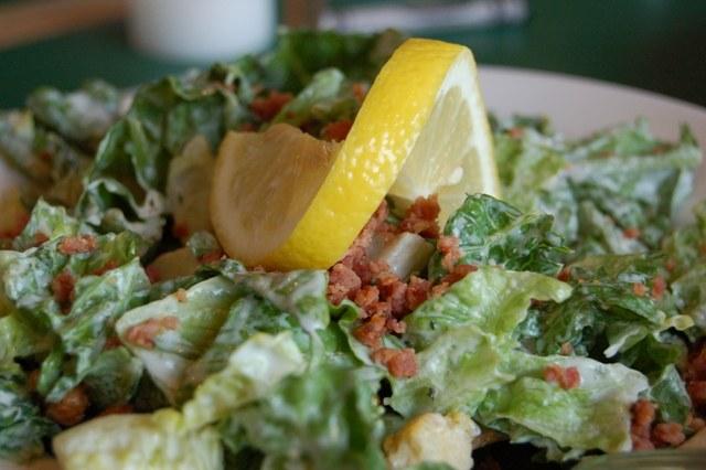 Как сделать заправку к салату цезарь