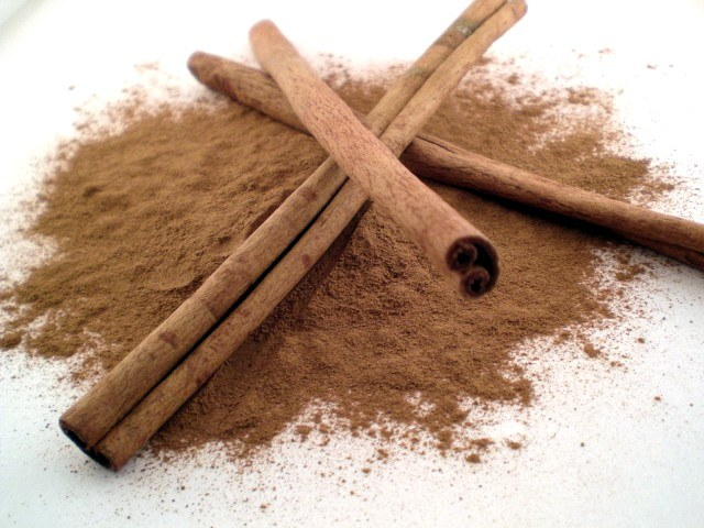 How to make tea with cinnamon