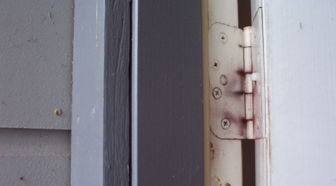 Как отделать дверные откосы