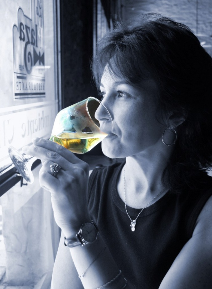 Что делать, если человек пьет