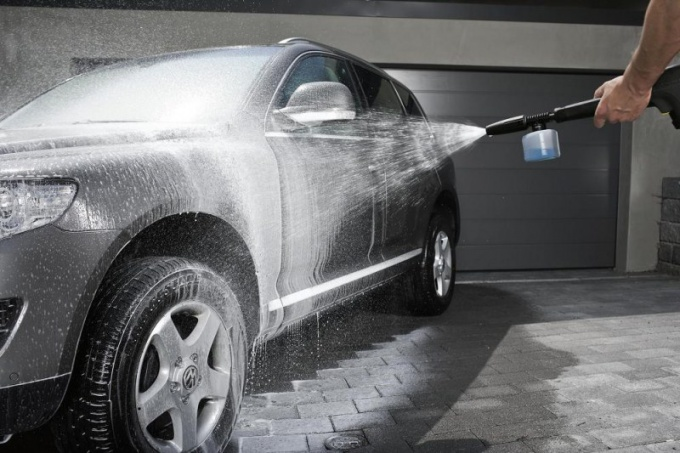 Как мыть машину на мойке