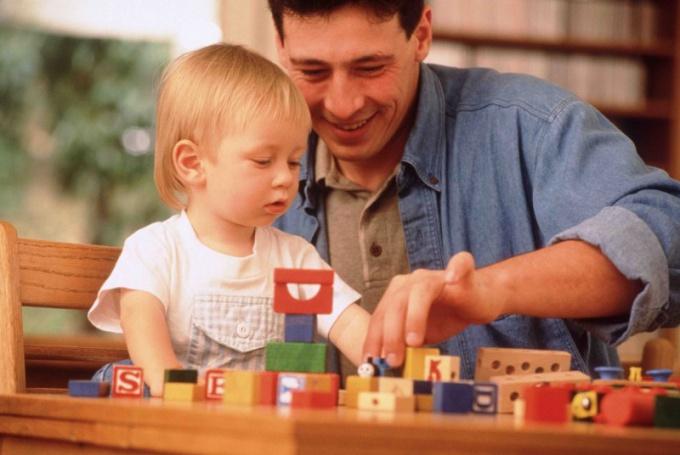 Как занять двухлетнего ребенка