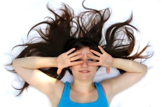 Как убрать воск с волос