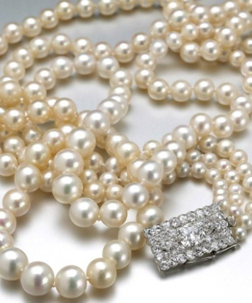 How to distinguish real pearls from artificial