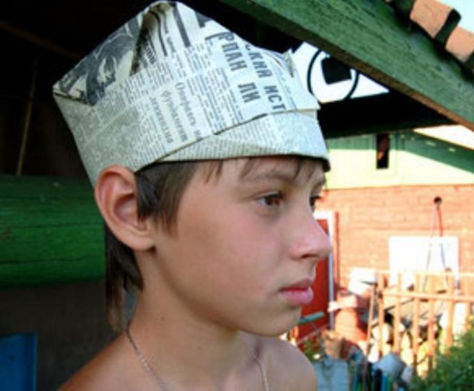 Как сложить шапку из бумаги