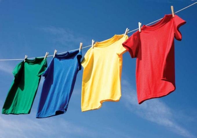 Как сохранить цвет при стирке
