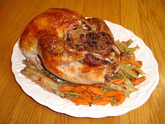 Как испечь курицу в духовке