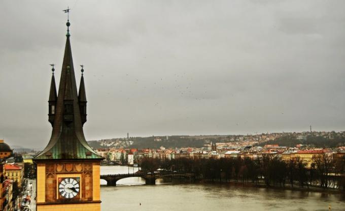 Как переехать жить в Чехию