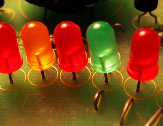 Как узнать напряжение светодиода