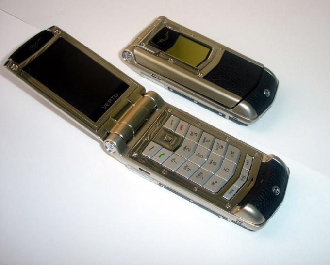Как разобрать телефон-раскладушку