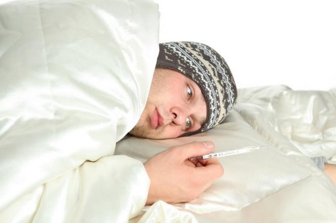 Что делать, если держится температура