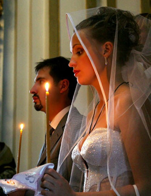 В каком платье идти на венчание