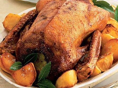 Как приготовить гуся в духовке с черносливом