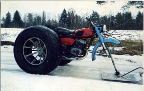 Snowmobile of motorcycle