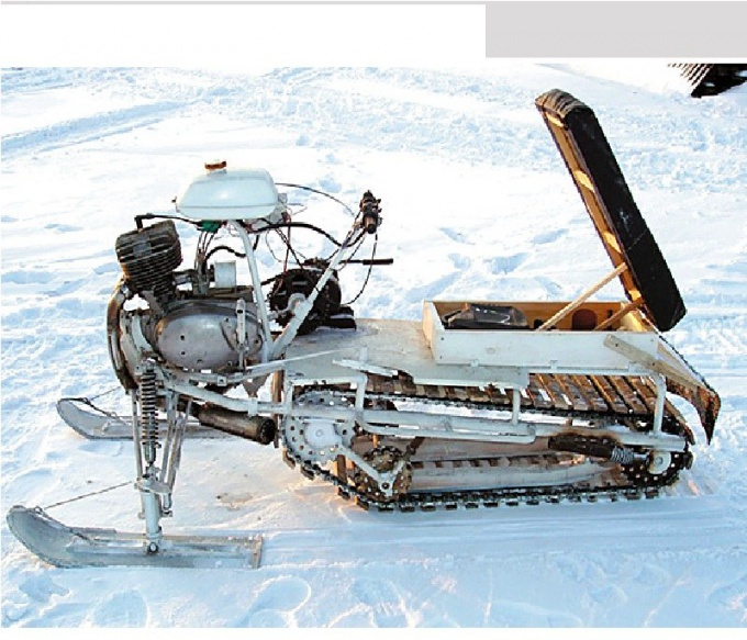 How to make a snowmobile with your hands