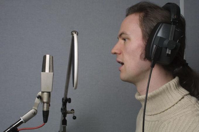 Как записать качественно вокал