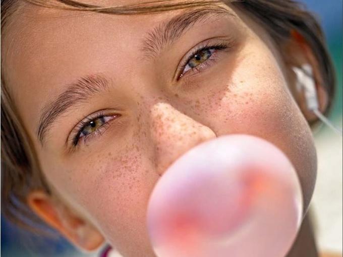 Как очистить ткань от жвачки