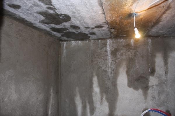 Как устранить течь в подвале