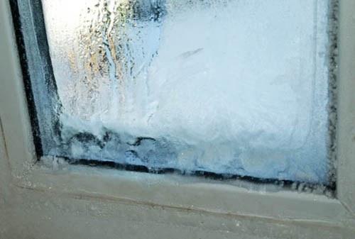 Почему окна замерзают