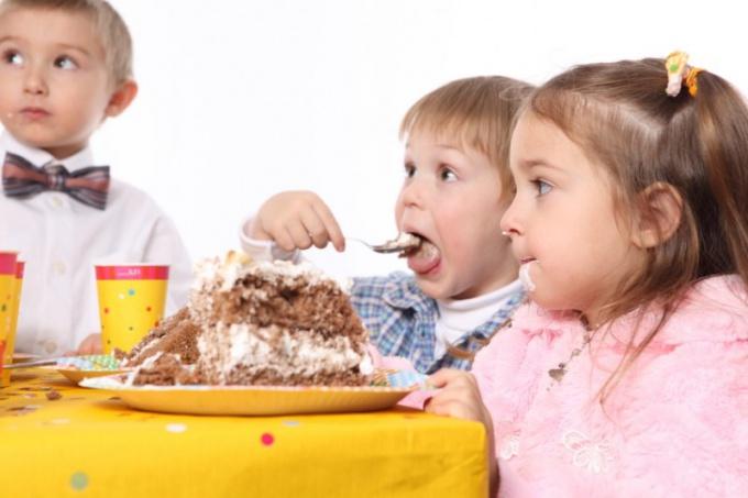 Как развлечь детей на празднике
