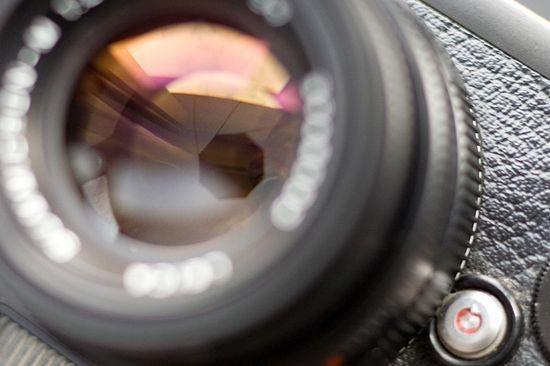 Почему фотографии  темные