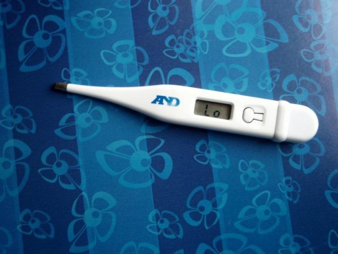 Как мерить температуру электронным градусником