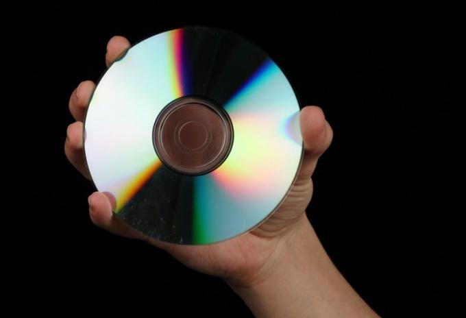 Как почистить CD-диск