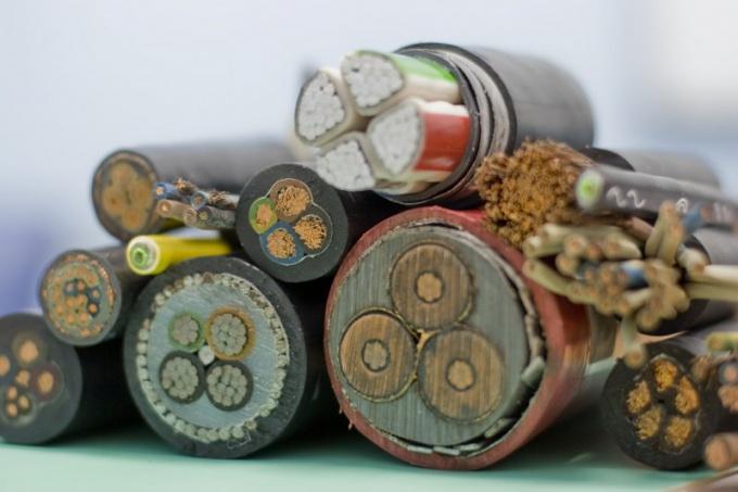 Как прокладывать силовой кабель