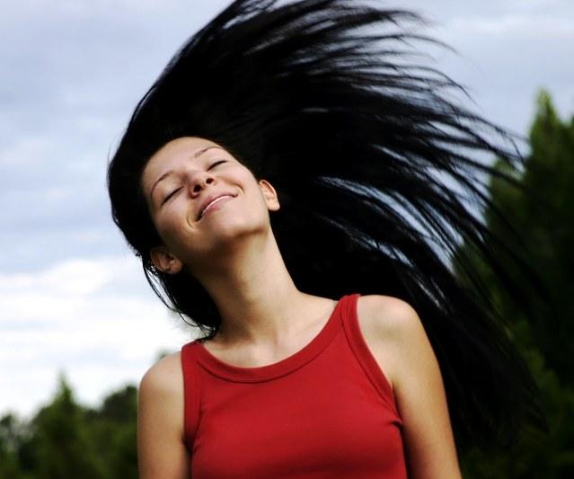 Почему сильно выпадают волосы